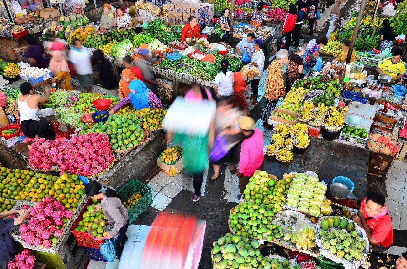 Revitalisasi-Pasar-Tradisional-200315-YN-1.jpg